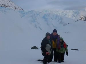 204-au-pied-du-glacier-Coloane-300x225