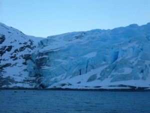 224-glacier-le-long-de-Fouque-attention-a-la-moraine-300x225