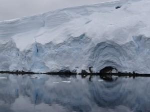 Face au mouillage .... Archipel de Melchior, Antarctique