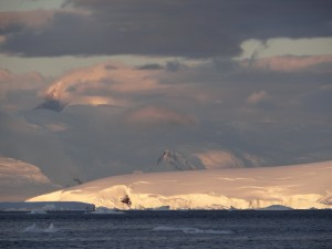 """Coucher"" de soleil - Waterboat Point - Péninsule Antarctique"