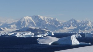 Vue sur la Péninsule Antarctique - Vernadsky - Argentine Islands - Antarctique