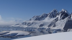 Vue sur Anvers et Booth, de Hovgaard - Antarctique