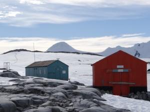 Les bases argentine et anglaise de Damoy Point, Dorian Bay, Wiencke Island, Antarctique