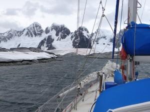 Vue sur Booth Island depuis Hovgaard (1) - Antarctique