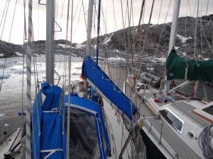 Steve nous accueille gentiment à couple d'Xplore à Port Charcot noyé dans les icebergs ... - Booth Island, Antarctique