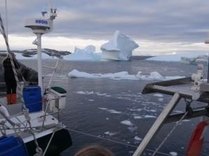L'entrée a été délicate, qu'en sera-t-il de la sortie - Port CHarcot, Booth Island, Antarctique