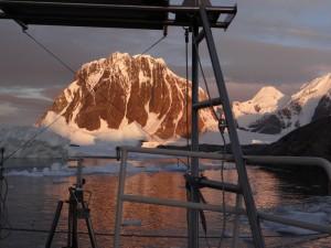 Notre dernier coucher de soleil Antarctique - Port Charcot, Booth Island